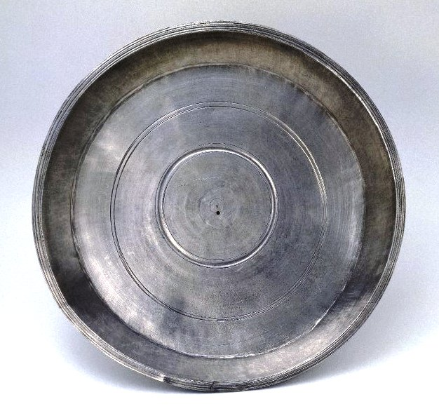 water newton treasure - plain dish